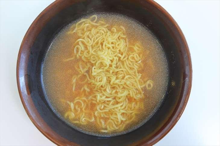 トップバリュ ベストプライス もちっとした太麺 醤油ラーメン